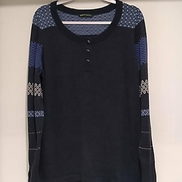 Woolrich• Deep indigo lightweight striped sweater
